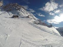 Invierno de la nieve de las montañas Fotos de archivo