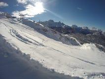Invierno de la nieve de las montañas Fotografía de archivo