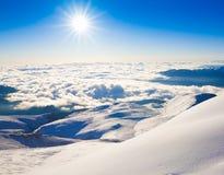 Invierno de la puesta del sol de la montaña Navidad imagen de archivo libre de regalías