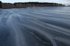 Invierno en el lago. Fotografía de archivo libre de regalías