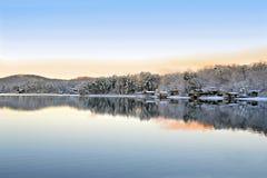 Invierno en el lago Fotos de archivo libres de regalías