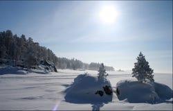 Invierno en el norte ruso el congelado Fotografía de archivo libre de regalías