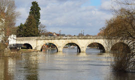 Invierno en el río Thames en Berkshire, Inglaterra Imagen de archivo libre de regalías