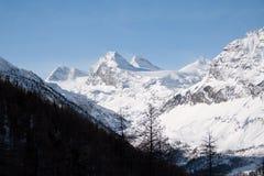 Invierno en el valle de Rhemes Foto de archivo libre de regalías