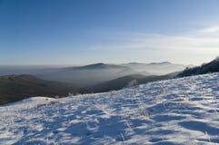 Invierno en las montañas foto de archivo