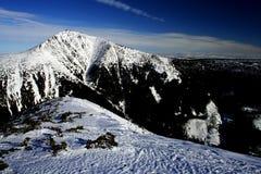 Invierno en montañas gigantes Fotografía de archivo libre de regalías