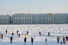 Invierno en St Petersburg, Rusia imagen de archivo