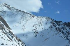 Invierno grande de la montaña del cielo Fotografía de archivo