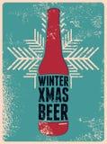 Invierno, Navidad, cerveza Cartel retro tipográfico de la cerveza de la Navidad del grunge Ilustración del vector Imagen de archivo libre de regalías