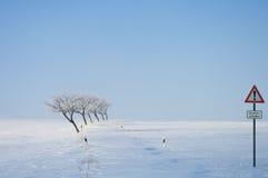 Invierno, nieve, bloque de camino Imágenes de archivo libres de regalías