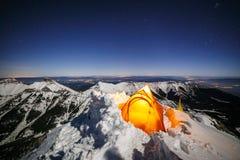 Invierno que acampa en el stit de Jahnaci, Tatras Fotos de archivo