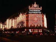 Invierno y estación de las compras de la Navidad en París Imagen de archivo libre de regalías