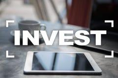 Invierta la rentabilidad de la inversión Conceptual financiero Image Concepto de la tecnología y del negocio Imágenes de archivo libres de regalías