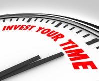 Invierta sus recursos de las oportunidades de las prioridades del reloj de tiempo Foto de archivo libre de regalías