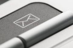 Invii con la posta elettronica il segno immagini stock