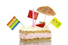 Invitación de los pasteles con el esmalte y el str poner crema azotado del desmoche y cremoso Imagen de archivo