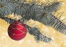 Invitación del Año Nuevo Bola de la Navidad Foto de archivo