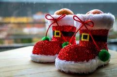 Invitación sana de la Navidad Mandarín en el zapato de Papá Noel foto de archivo libre de regalías