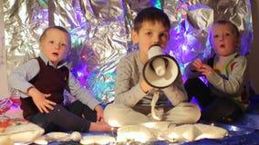 Invitan los niños a la celebración metrajes