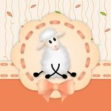 Invitation d'anniversaire avec l'agneau blanc mignon Images stock