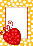 Invitation de carte d'anniversaire avec un cadeau de coeur Photos libres de droits