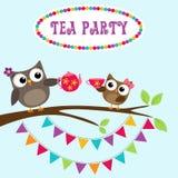 Invitation de thé avec les hiboux mignons illustration libre de droits