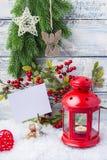 invitation new year Κόκκινο χριστουγεννιάτικο δέντρο κηροπηγίων και κλαδάκι Το θέμα του νέων έτους και των Χριστουγέννων Στοκ εικόνα με δικαίωμα ελεύθερης χρήσης