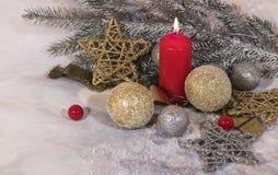 invitation new year Свечи красного цвета рождества Дизайн ` s Нового Года стоковое фото
