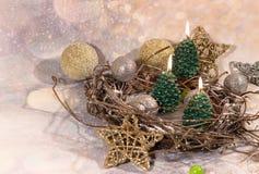 invitation new year Свечи рождественской елки в дизайне Нового Года золота стоковые изображения