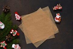 invitation new year 信函圣诞老人 圣诞树和装饰 免版税库存图片