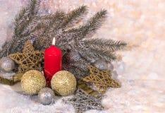 invitation new year 圣诞节红色蜡烛 新年` s设计 免版税图库摄影