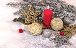 invitation new year 圣诞节红色蜡烛 新年` s设计 免版税库存照片
