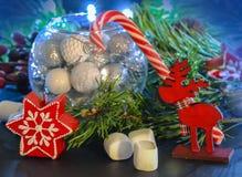 invitation new year 在玻璃球形的圣诞装饰 祝贺假日 库存照片