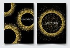 Inviti di progettazione del modello, cartoline d'auguri, saluti L'oro brilla su un fondo nero Fotografia Stock Libera da Diritti
