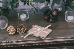 Invito su una tavola di nozze Fotografia Stock Libera da Diritti