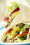 Involucri dell'insalata di pollo fotografie stock
