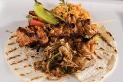 Involucro turco del kebap del pollo Fotografia Stock Libera da Diritti