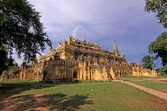 inwa mandalay monastry стоковые изображения