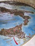 Inwazja Włochy - Batalistyczna mapa przy Amerykańskim Militarnym cmentarzem, Nettuno, Włochy fotografia stock