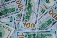 Inwestujący w pieniądze, dolary zdjęcia stock