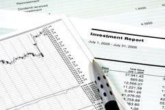 inwestycje w sprawozdaniu zdjęcia royalty free