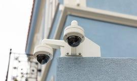 Inwigilacji CCTV kamery bezpieczeństwe na dachu, zbliżenie widok obrazy stock