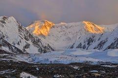 Inylcheck-Gletscher auf frühem Morgen Lizenzfreies Stockfoto