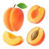 Inzameling van abrikozen op wit wordt geïsoleerd dat royalty-vrije stock afbeelding