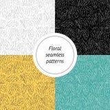 Inzameling van abstracte kleurrijke naadloze patronen met bloemenelementen met verschillende kleuren stock fotografie