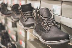 Inzameling van de schoenen van de mensen` s winter royalty-vrije stock afbeeldingen