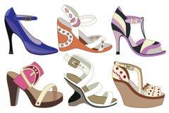 Inzameling van de schoenen van modieuze vrouwen stock illustratie