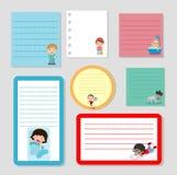 Inzameling van diverse notadocumenten en dagelijks werk van kind, Weinig kind dagelijkse activiteiten, klaar voor uw bericht Vect royalty-vrije illustratie