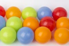 Inzameling van kleurenballen op wit Royalty-vrije Stock Foto's