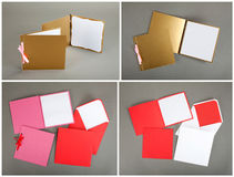 Inzameling van kleurrijke kaarten en enveloppen over grijze achtergrond Stock Foto's